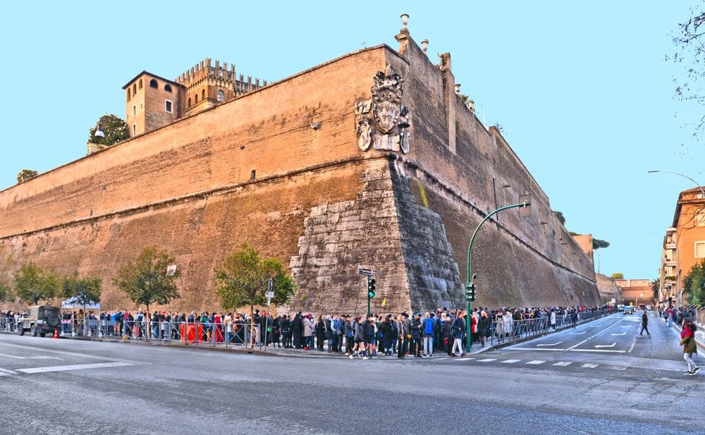 vatican-city-walls